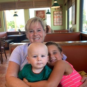 Willie, Charlotte & I having lunch with Megan